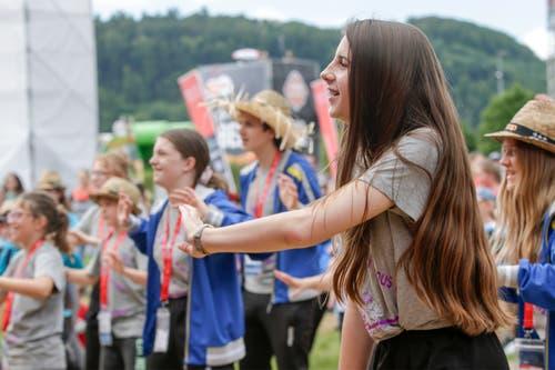 Zuvor: Jugendliche tanzen. (Bild: Marc Schumacher/Freshfocus)