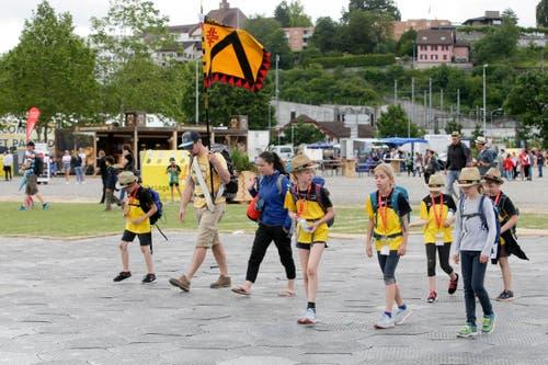 Die Jugendriege Worb marschiert auf. (Bild: Marc Schumacher/Freshfocus)