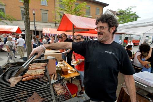 Bei den Argentinierts gibt es Wurst, Fleisch und gute Laune. (Bild: Donato Caspari)