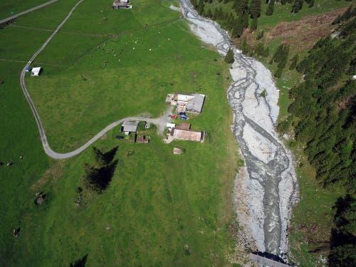 Zwei Alpbetriebe kamen mit dem Schrecken davon. (Bild: Stefan Simmen, Spiringen, 17. Juni 2019)