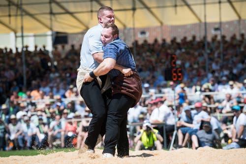 Die beiden Top-Athleten aus der Innerschweiz in Aktion. (Bild: Eveline Beerkircher, Willisau, 2. Juni 2019)