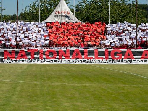 «Nationalliga A»: Die Aufstiegsfeier des FC Aarau muss um mindestens ein Jahr verschoben werden (Bild: KEYSTONE/CHRISTIAN MERZ)