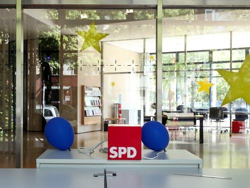 Eingang des SPD-Hauptsitzes in Berlin. (Bild: KEYSTONE/EPA/FELIPE TRUEBA)