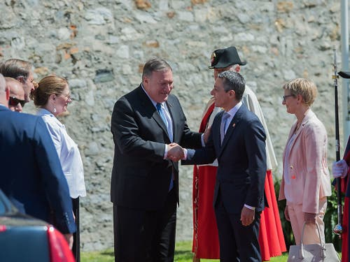US-Aussenminister Mike Pompeo (links) beim Treffen mit Bundesrat Ignazio Cassis in Bellinzona. (Bild: KEYSTONE/TI-PRESS/SAMUEL GOLAY)