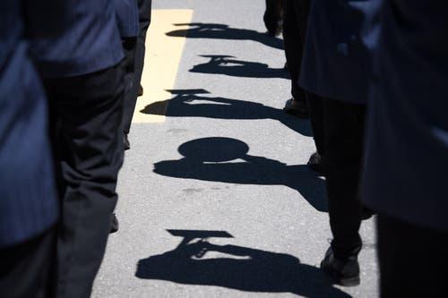 Schöner Schattenwurf während der Parade. (Bild: Roger Grütter, Altishofen, 2. Juni 2019)