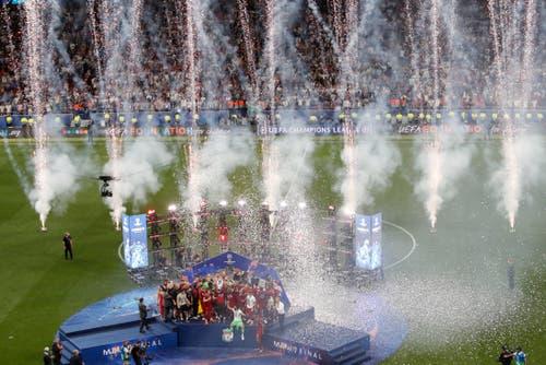 Da wird ganz schön gefeiert, im Wanda Metrpolitano Stadium. (Bild: Armando Franca/AP Photo)