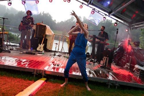 Und stärker. Das Mikrofon versagte, das Konzert wurde unterbrochen. (Bild: Harald Bader, Ebikon, 19. Juni 2019)