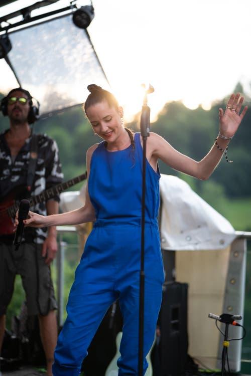 Und sie besang die Liebe. In dem Moment die Sonne kam heraus. (Bild: Harald Bader, Ebikon, 19. Juni 2019)