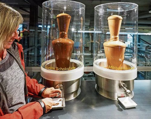 Erlebnisstation «Herstellen»: Schoggiproduktion bei Confiseur Läderach in Bilten.