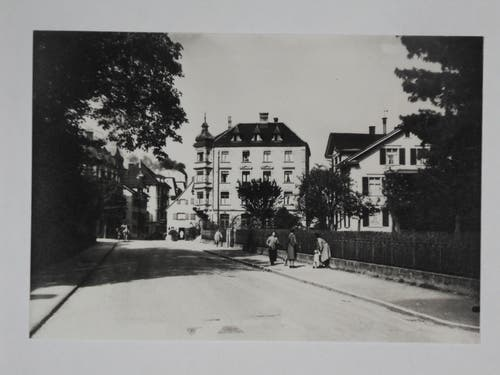 Die St. Gallerstrasse vor dem Landhaus Kreisel.