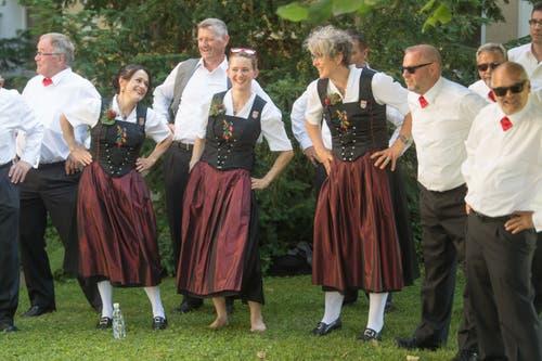 Eine kleine Tanzeinlage – scheint Spass zu machen! (Bild: Boris Bürgisser, Horw, 28.06.2019)