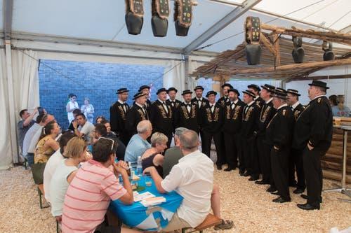 Diese Jodler choren die Festgemeinde ein. (Bild: Boris Bürgisser, Horw, 28.06.2019)