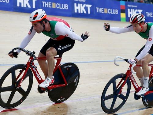 Gold und Bronze: Tristan Marguet (li.) gewann an den Europa-Spielen das Madison (mit Robin Froidevaux), Claudio Imhof (re.) wurde in der Verfolgung Dritter. (Bild: KEYSTONE/AP/KIN CHEUNG)