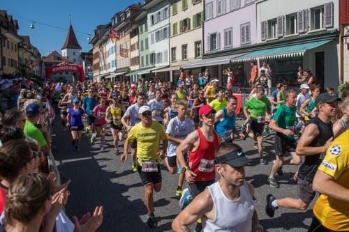 Start des Hellebardenlauf. (Bild: Boris Bürgisser, Sempach, 29. Juni 2019)