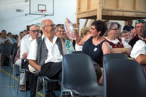 Auch in der Turnhalle ist es sehr heiss. (Bild: Dominik Wunderli, Horw, 29. Juni 2019)