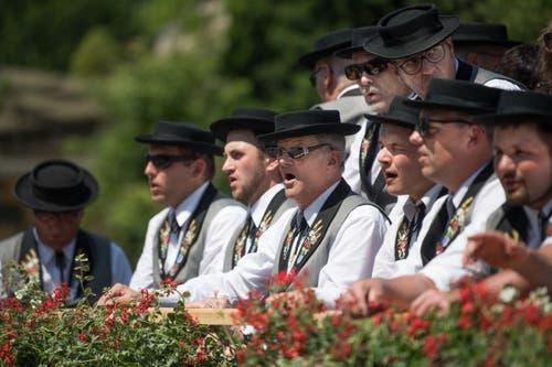 Impressionen vom Festumzug - der Jodlerklub Maiglöggli. (Bild: Boris Bürgisser)