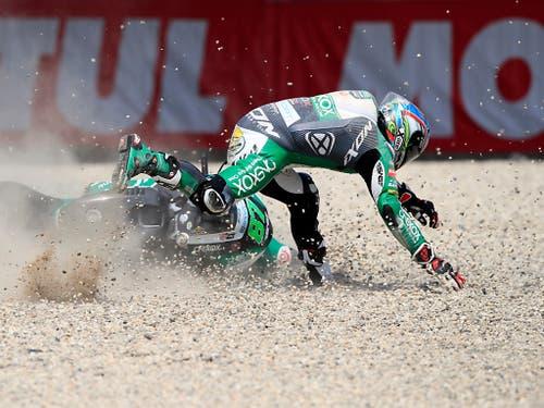 Einer von vielen Ausfällen beim turbulenten GP der Niederlande: Pole-Mann Remy Gardner (Bild: KEYSTONE/AP/PETER DEJONG)
