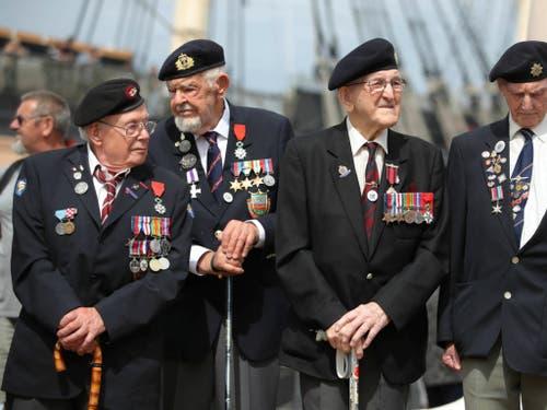 Rund 300 D-Day-Veteranen nahmen in Portsmouth an den Gedenkfeiern zum 75. Jahrestag der Landung der Alliierten in der Normandie teil. (Bild: KEYSTONE/AP PA/ANDREW MATTHEWS)