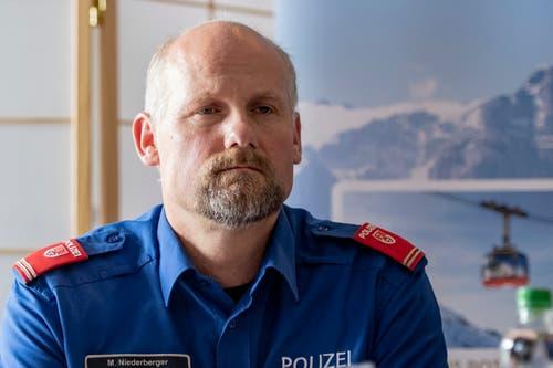 Marco Niederberger von der Obwaldner Kantonspolizei während der Medienkonferenz im Hotel Terrace in Engelberg. (Bild: Urs Flüeler/Keystone, Engelberg, 5. Juni 2019)