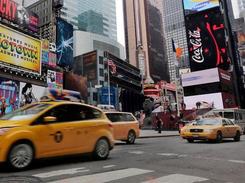 Ein belebter Platz im Zentrum des New Yorker Stadtteils Manhattan: der Times Square. (Bild: KEYSTONE/AP/RICHARD DREW)