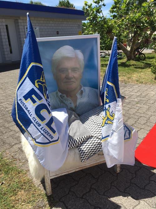 Meistertrainer Friedel Rausch, der am 18. November 2017 verstarb, wurde am Jubiläums-Anlass mit diesem Bild und einer Schweigeminute gedacht. (Bild: Daniel Wyrsch (Sempach, 8. Juni 2019))