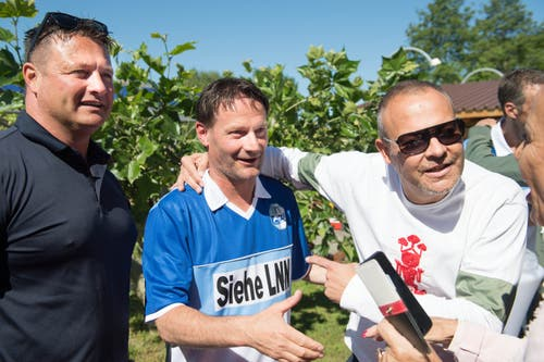 Stefan Marini (Mitte) mit Ex-FCL-Scout Oliver Schmid (rechts) und Stefan Kneubühler.(Bild: Eveline Beerkircher-Bachmann (Sempach, 8. Juni 2019))