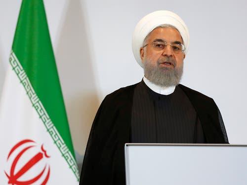 Der iranische Präsident Hassan Ruhani bezeichnete es als in der Geschichte einzigartig, dass ein Land, das aus einem Abkommen ausgestiegen sei (die USA), über die Vereinbarung debattieren wolle. (Bild: KEYSTONE/PETER KLAUNZER)