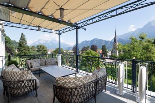 Zur King Suite gehören mehrere Balkone. Der Hauptbalkon wurde neu gebaut. (Bild: Ralph Ribi)
