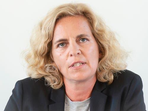 Karin Rykart (Grüne), Vorsteherin des Stadtzürcher Sicherheitsdepartements, geht davon aus, das die Stadtpolizei Zürich «angemessen und sorgfältig» beim Einsatz vor der Credit Suisse gehandelt hat. (Bild: KEYSTONE/MELANIE DUCHENE)