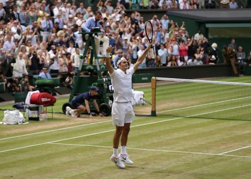 2017: Federer s. Cilic 6:3, 6:1, 6:4Nach seinem Triumph bei den Australian Open und Turniersiegen in Indian Wells und Miami lässt Federer die Sandsaison komplett aus. Als er zurückkehrt,gewinnt er erst in Halle und triumphiert danach zum achten Mal in Wimbledon, aber das erste Mal, ohne ein Satz abzugeben. Bei den Männern ist er nun alleiniger Rekordsieger im Einzel. «Als ich 2001 Pete Sampras geschlagen habe, hatte ich gehofft, dass ich vielleicht irgendeinmal die Chance haben würde, im Final zu stehen, oder sogar das Turnier zu gewinnen. Aber acht Mal? Das schien unmöglich», sagt Federer.