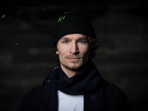 Der Schweizer Snowboarder Iouri Podladtchikov wurde von der Lauterkeitskommission wegen unlauterer Werbung auf Instagram gerügt. (Bild: KEYSTONE/GIAN EHRENZELLER)