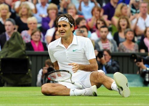 2012: Federer s. Murray 4:6, 7:5, 6:3, 6:4Auf dem Weg zum bislang letzten Sieg in Wimbledon erlebt Roger Federer zahlreiche bange Momente. In der dritten Runde macht er einen 0:2-Satzrückstand gegen Julien Benneteau wett. In den Viertelfinals macht ihm ein blockierter Rücken zu schaffen. Im Halbfinal schaltet er Titelverteidiger Novak Djokovic aus. Im Final, der wegen Regens unterbrochen und unter geschlossenem Dach beendet wird, setzt sich Federer gegen Andy Murray durch und wird wieder die Nummer eins der Welt.