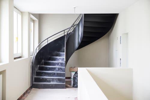 Neue Treppe ins neue Dachgeschoss. (Bild: Manuela Jans-Koch, Luzern, 11. Juli 2019)