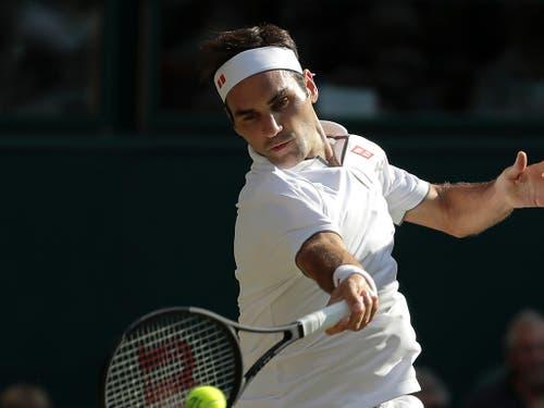Roger Federer (im Bild) verlor acht der letzten zehn Duelle gegen Novak Djokovic (Bild: KEYSTONE/AP/BEN CURTIS)