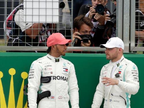 Der aus der Pole-Position gestartete Valtteri Bottas (links) musste sich mit Platz 2 zufrieden geben (Bild: KEYSTONE/AP/LUCA BRUNO)