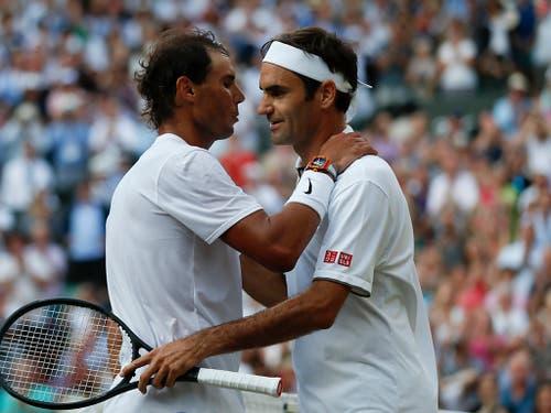 Roger Federer (rechts) und Rafael Nadal (links) kommen in der öffentlichen Wahrnehmung vor dem Weltranglisten-Ersten Novak Djokovic (Bild: KEYSTONE/AP POOL AFP/ADRIAN DENNIS)