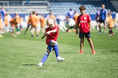Impressionen der FCL-Saisoneröffnung mit dem Kids-Training in der Swissporarena. (Bild: Manuela Jans-Koch, Luzern, 14. Juli 2019)
