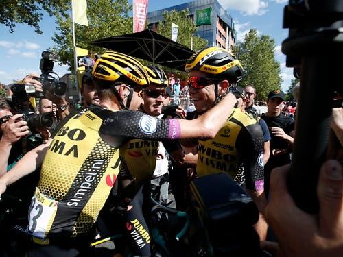 Für das erfolgsverwöhnte Team Jumbo-Visma war es bereits der vierte Etappensieg an dieser Tour (Bild: KEYSTONE/EPA/GUILLAUME HORCAJUELO)