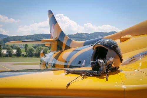 Nach dem Testflug wird der Kampfjet für die Museums-Eröffnung herausgeputzt. (Bild: Raphael Rohner)