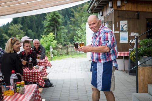 Getränke werden serviert. (Bild: Manuela Jans-Koch, Kriens, 14. Juli 2019)