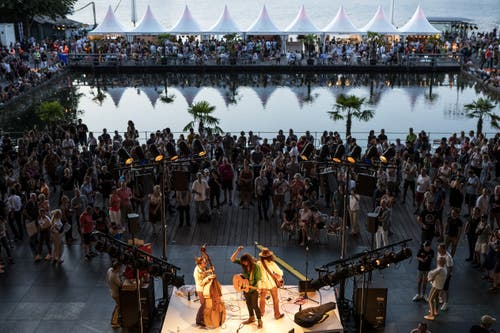 Das Blue Balls Festival ist eröffnet. (Bild: Alexandra Wey/Keystone, Luzern, 19. Juli 2019)