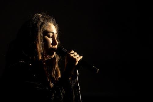 Sie ist bekannt für ihr Singer-Songwriter-Talent. (Bild: Alexandra Wey/Keystone, Luzern, 19. Juli 2019)