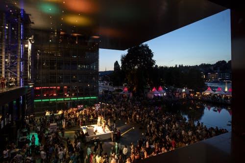 Der Platz vor dem KKL. (Bild: Alexandra Wey/Keystone, Luzern, 19. Juli 2019)