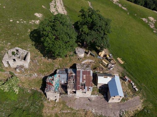 Der Zweitsitz besteht aus drei zweistöckigen, L-förmigen Gebäuden. (Bild: Keystone/DAVIDE AGOSTA)