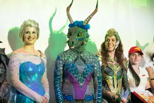 Teilnehmer vom Cosplay Contest der Unicon. Die zweite Zuger Fantasy-Convention hat am Wochenende im Burgbachsaal stattgefunden. (Bild: Roger Zbinden, Zug, 20. Juli 2019)