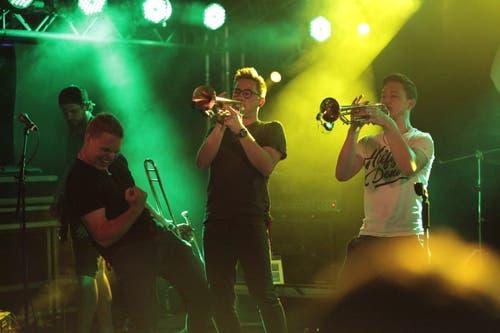Die Urner Band Aussenseiter trat mit einem Bläsersatz auf. (Bild: Florian Arnold, 20. Juli 2019)