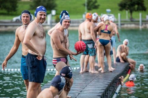 Das 45. Wasserball-Plauschturnier des SC Frosch Ägeri. (Bild: Patrick Hürlimann, Unterägeri, 20. Juli 2019)