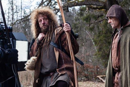 Luke Gasser (links) als Mitproduzent, Regisseur und Drehbuchautor spielt Wilhelm Tell. (Bild:pd)