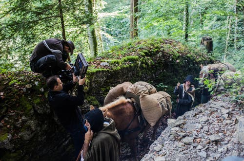 Viele Dreharbeiten fanden in den Wäldern von Obwalden und Uri statt. (Bild:pd)