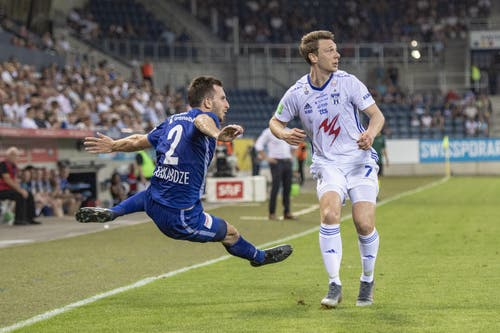 Otar Kakabadze (FC Luzern, links) FC Luzern und Patrik Johannesen (rechts). (Bild: KEYSTONE/Urs Flueeler)